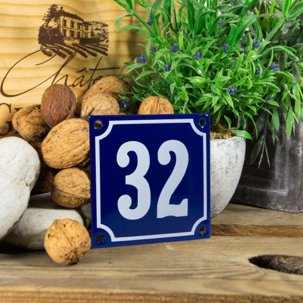 Emaille klein huisnummerbord blauw; nummer 32