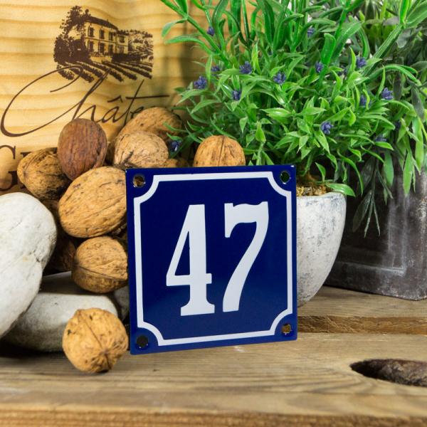 Emaille klein huisnummerbord blauw; nummer 47