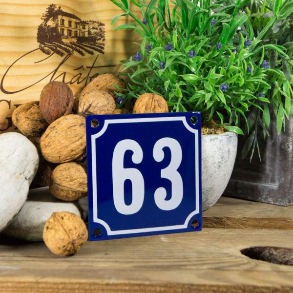 Emaille klein huisnummerbord blauw; nummer 63