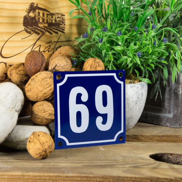 Emaille klein huisnummerbord blauw; nummer 69