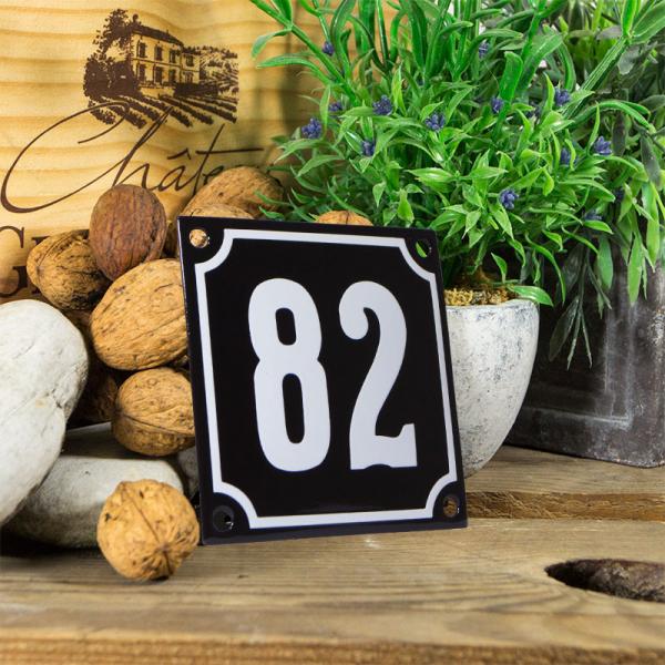 Emaille huisnummerbord 'zwart' klein nummer 82