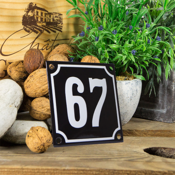 Emaille huisnummerbord 'zwart' klein nummer 67