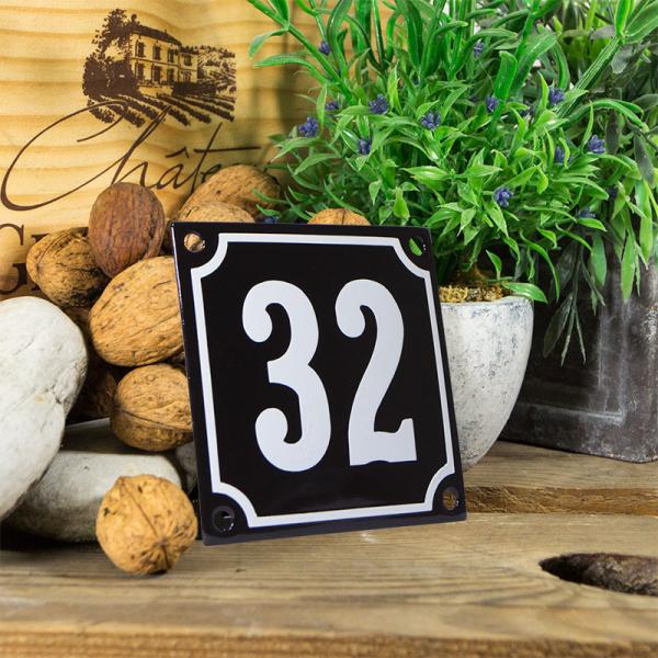 Emaille huisnummerbord 'zwart' klein nummer 32