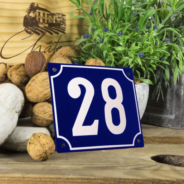Huisnummerbord groot blauw nummer 28