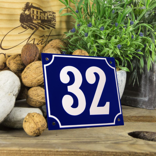 Huisnummerbord groot blauw nummer 32