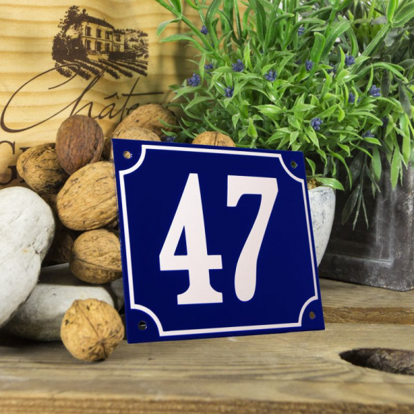 Huisnummerbord groot blauw nummer 47