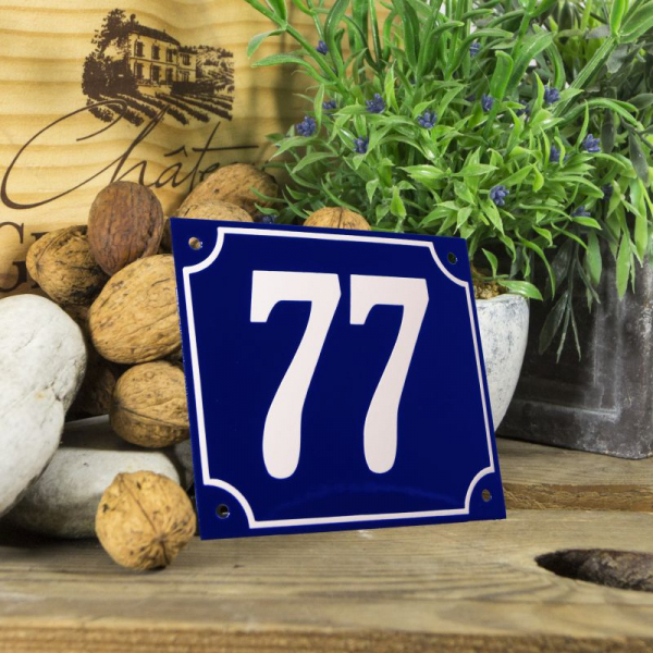 Huisnummerbord groot blauw nummer 77