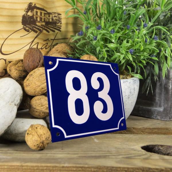 Huisnummerbord groot blauw nummer 83