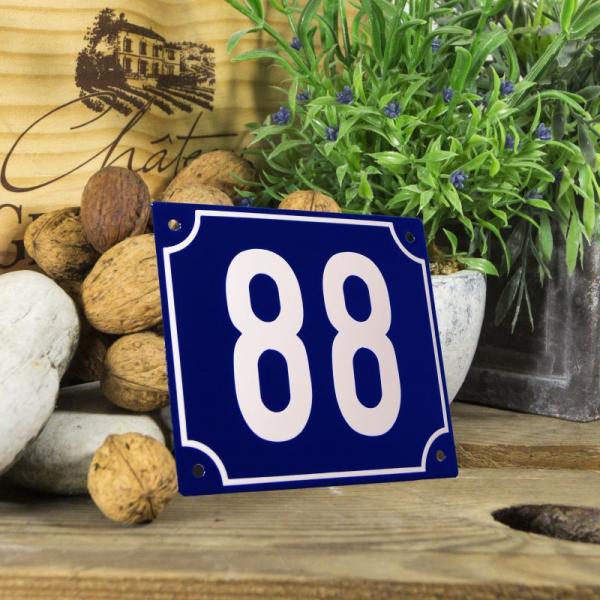 Huisnummerbord groot blauw nummer 88