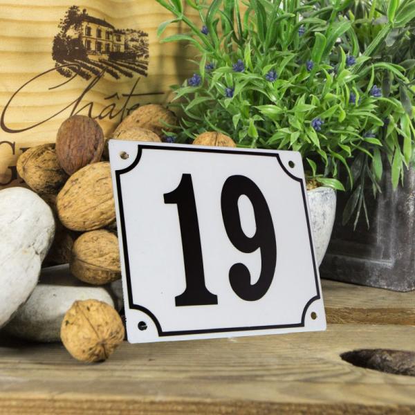 Huisnummerbord groot wit nummer 19