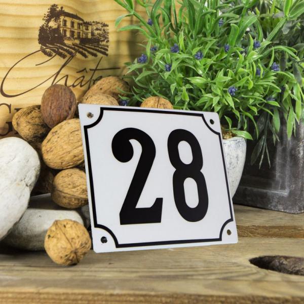 Huisnummerbord groot wit nummer 28
