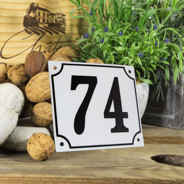 Huisnummerbord groot wit nummer 74