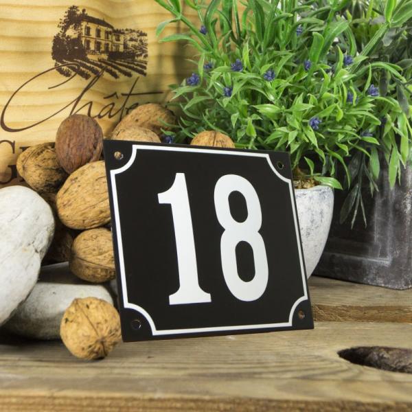 Huisnummerbord groot zwart nummer 18