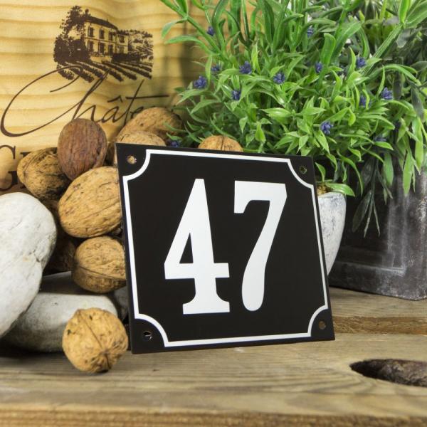 Huisnummerbord groot zwart nummer 47