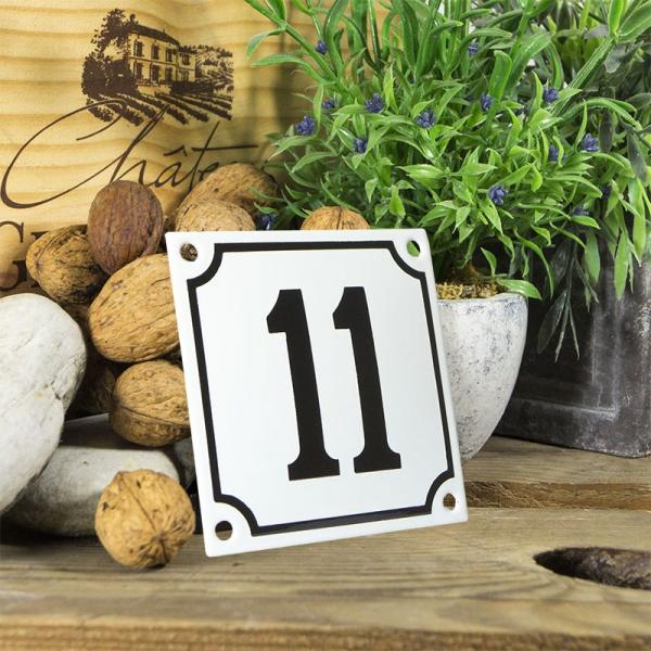 Huisnummerbord wit klein 10x10 cm nummer 11