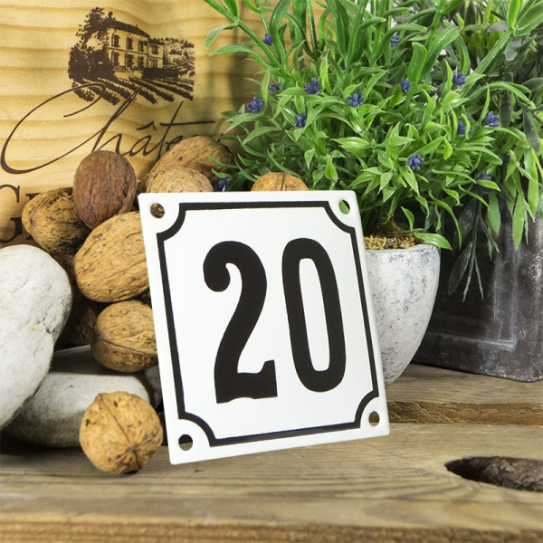 Huisnummerbord wit klein 10x10 cm nummer 20
