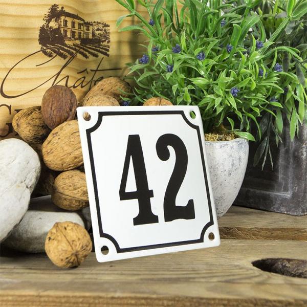 Huisnummerbord wit klein 10x10 cm nummer 42