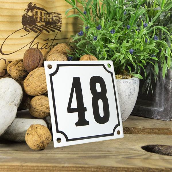 Huisnummerbord wit klein 10x10 cm nummer 48