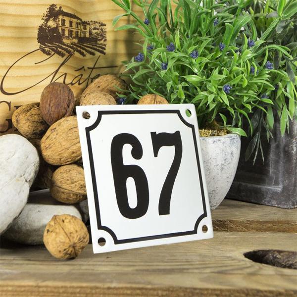 Huisnummerbord wit klein 10x10 cm nummer 67