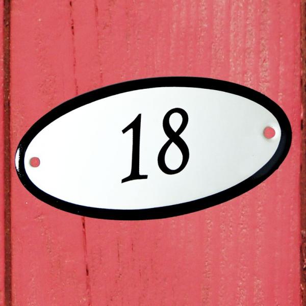 Huisnummerbordje ovaal nummer 18