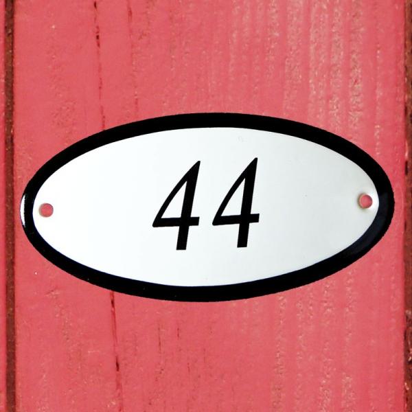 Huisnummerbordje ovaal nummer 44