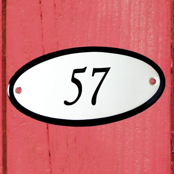 Huisnummerbordje ovaal nummer 57