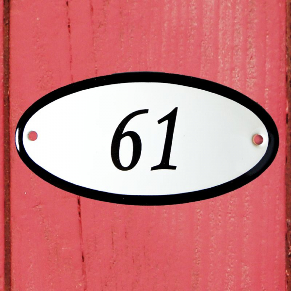 Huisnummerbordje ovaal nummer 61