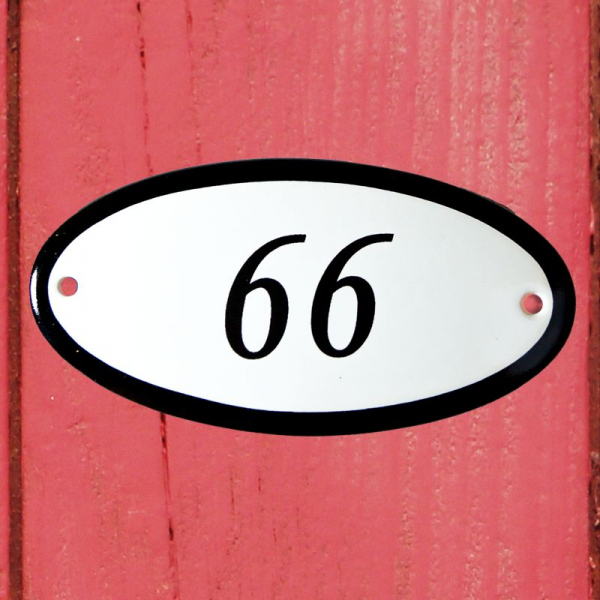 Huisnummerbordje ovaal nummer 66