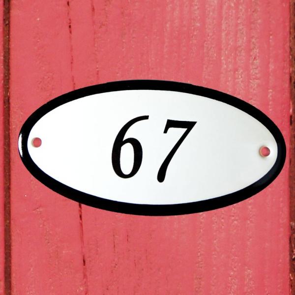 Huisnummerbordje ovaal nummer 67