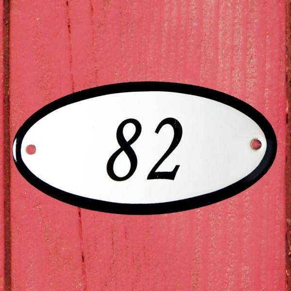 Huisnummerbordje ovaal nummer 82