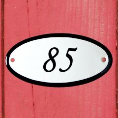 Huisnummerbordje ovaal nummer 84